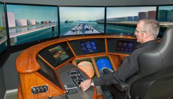 Full Mission inland shipping simulator
